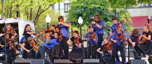 Saline Fiddlers Philharmonic, photo by David Morin